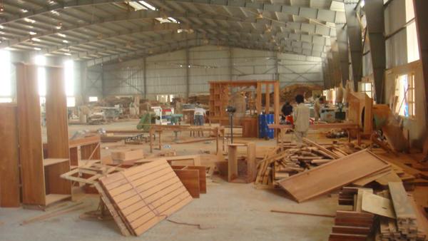 bụi gỗ nhà xưởng