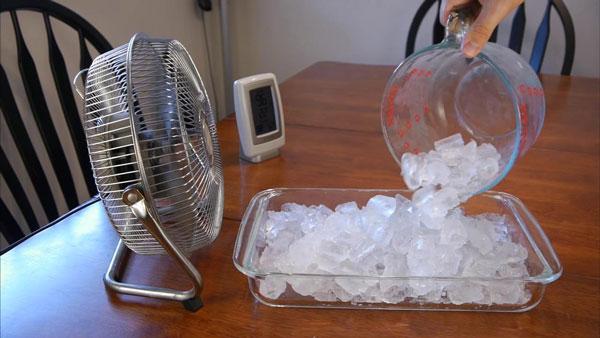 làm mát phòng trọ bằng quạt với đá lạnh